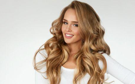 Střih i s možností melíru pro všechny délky vlasů