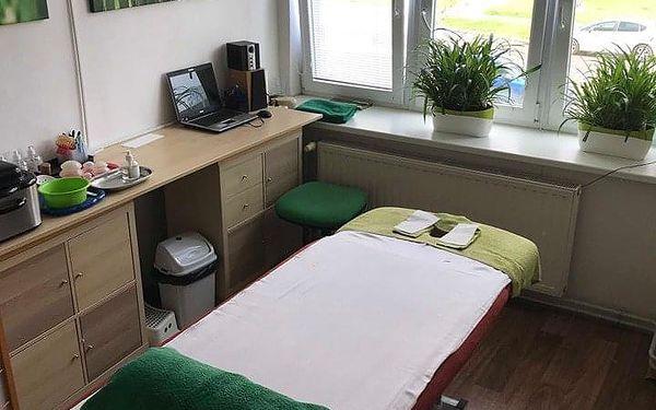 Tradiční čínská masáž krční a hrudní páteře s akupresurou – počítačový syndrom3