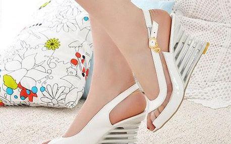 Dámské sandály na klínku Sharona