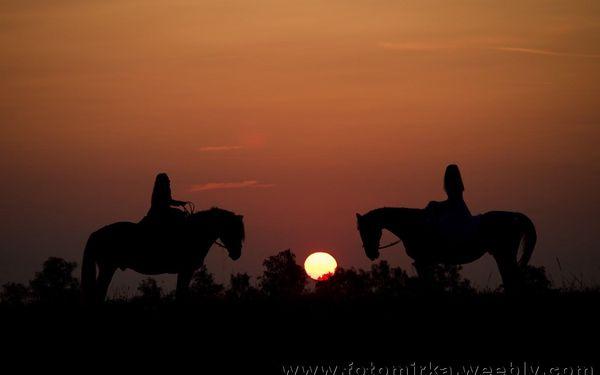 Dvouhodinová vyjížďka na koni pro mírně pokročilé jezdce do 70 kg2