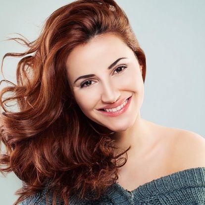 Dámský střih nebo barvení vlasů