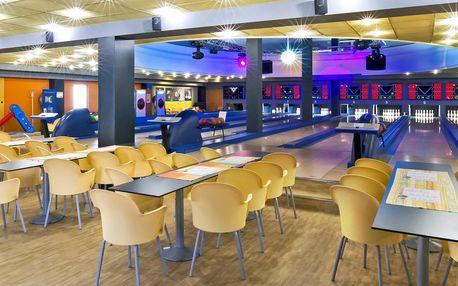 2 hod. bowlingu až pro 8 hráčů a kilo řízků