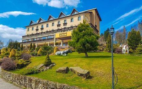 Kysucké Beskydy: Hotel Husárik **** s neomezeným jeskynním bazénem a snídaněmi