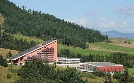 Hotel Sorea Máj, Hory