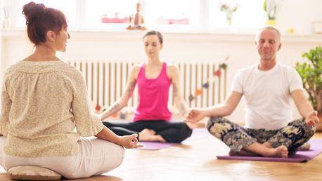 Pružné tělo, klidná mysl: Lekce jógy na Vinohradech