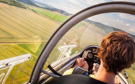 Let v kluzáku na 30–45 min. i s pilotováním