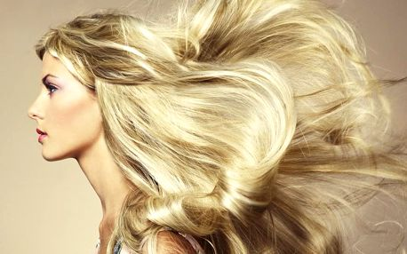 Proteinová péče o vlasy, střih i melír