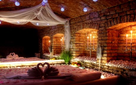 Privátní vířivka a sauna na 2 hodiny pro 2 osoby
