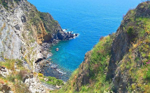 Dovolená na italském ostrově Ischia s polopenzí | 1 osoba | 8 dní (7 nocí) | So 28. 9. – So 5. 10. 20195