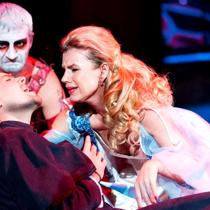 Vstupenka na koncertní verzi muzikálu Dracula