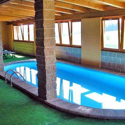 Šumava v penzionu s privátním saunováním, bazénem neomezeně a polopenzí + až 2 děti do 12,9 zdarma