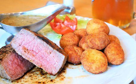 Vyzrálý hovězí steak a příloha i omáčka dle výběru