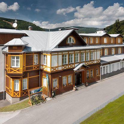 Hotel Sněžka**** ve Špindlu s polopenzí, wellness a lanovkou v ceně