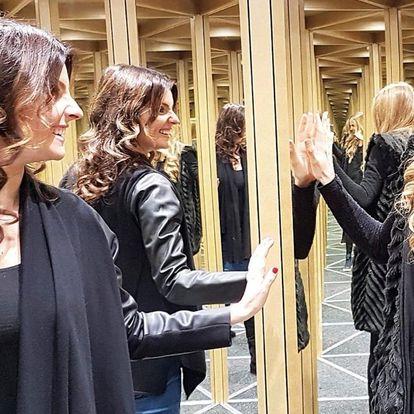 Zrcadlový labyrint: svět smíchu, kouzel a zázraků
