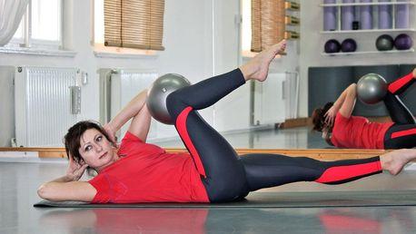 Pilates: skupinová lekce nebo cvičení na strojích