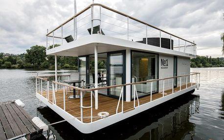 Jedinečný VIP pobyt na houseboatu v centru Prahy