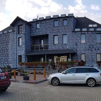 Tiské stěny: Hotel Camelot