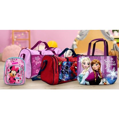 Tašky a batůžky s postavami z Disneyho pohádek