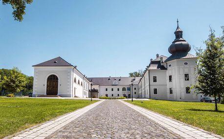Pobyt v jedinečném Château Appony ****