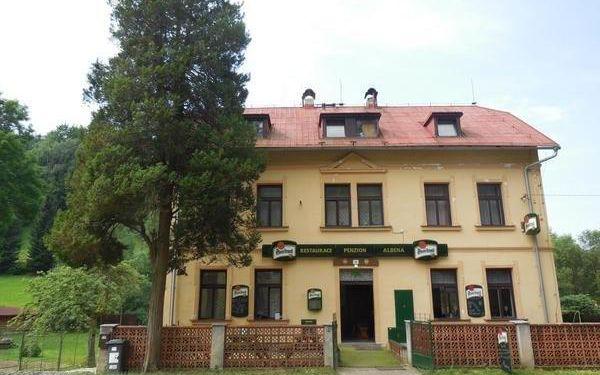 Dolní Prysk: Penzion Albena nedaleko Panské skály