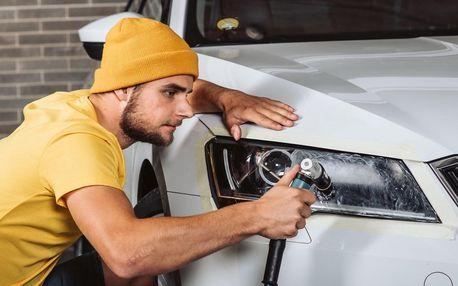 Leštění a renovace předních světlometů auta
