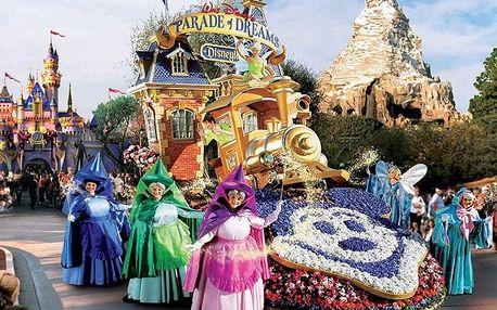 Jeden den v Disneylandu s fotopauzou u Eiffelovky, Paříž, Francie