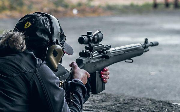 Střelba pro 1 osobu - 5 zbraní, celkem 40 nábojů4