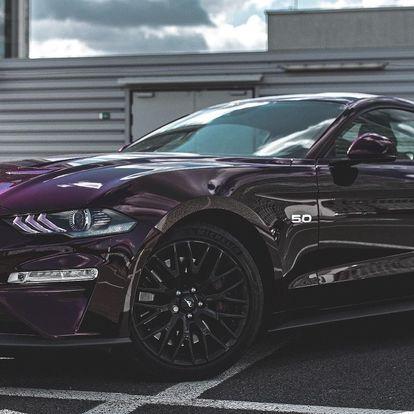 Za volantem nového Fordu Mustang 5.0 GT 2019
