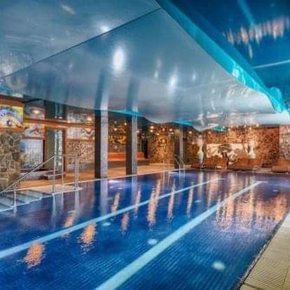 Fantastický pobyt na Štrbském Plese s neomezeným wellness a polopenzí ve 4* hotelu Borovica