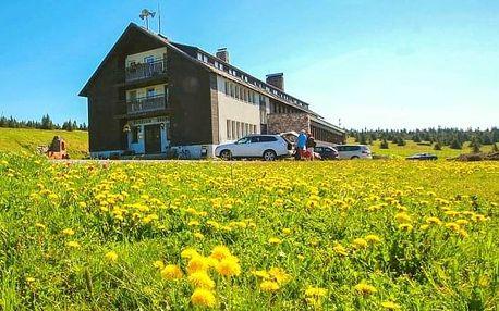 Krkonoše: Dvorská Bouda ve skvělé lokalitě s polopenzí, saunou a půjčením kol