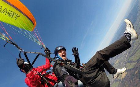 Paragliding s akrobatickými prvky či celý trénink