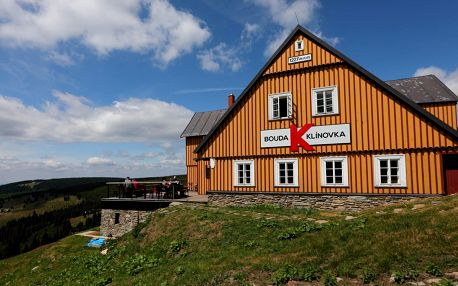 Pobyt na horské chatě v Krkonoších pro 2 osoby s polopenzí