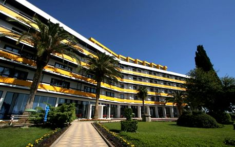 4–10denní Chorvatsko, Biograd   Hotel Ilirija**** 30 m od pláže   Dítě zdarma   Polopenze, autobusem nebo vlastní doprava