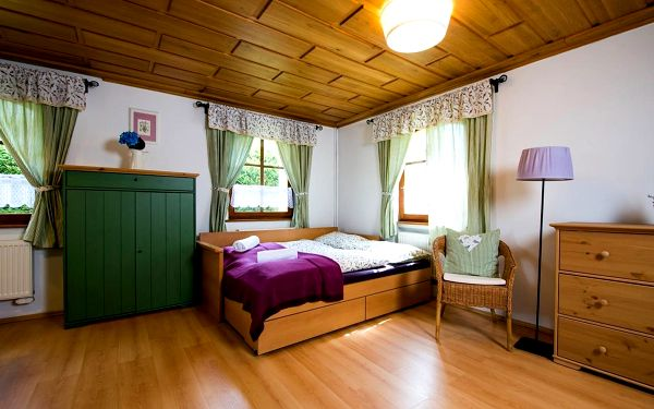 Pokoj s manželskou postelí King4