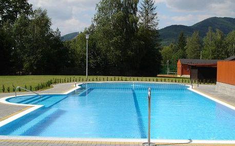 Pohodový pobyt v Beskydech: snídaně, bazén, hřiště