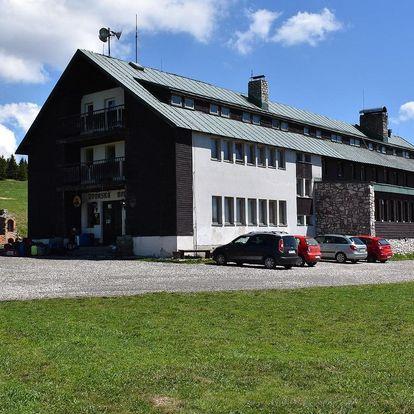 Dvorská Bouda v Krkonoších s polopenzí a saunou