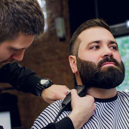 Kompletní barber péče o vlasy i vousy a whisky