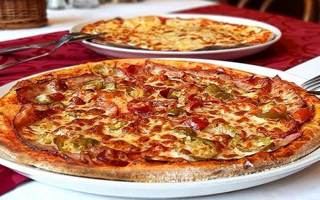 Dvě pizzy o průměru 32 cm dle výběru