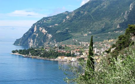 Léto u malebného jezera Garda, Lago di Garda