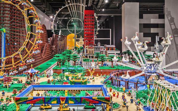 Výstava v Hamleys: památky z kostek LEGO® a hra