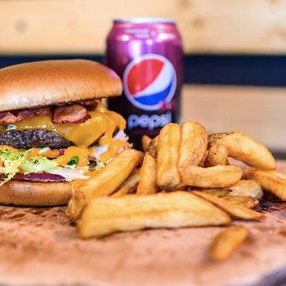 Burger dle výběru, hranolky a nápoj pro 1 i 2 os.