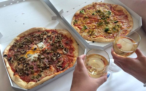 2x pizza nebo pasta4