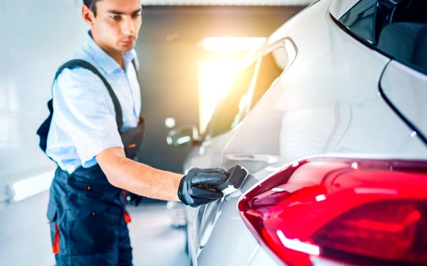 Vyčištění vozidla i s možností voskování