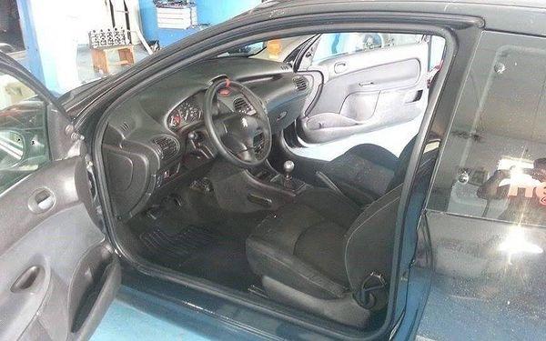 Kompletní čištění interiéru automobilu5