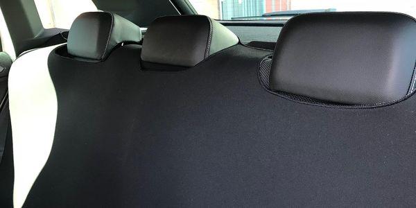 Autodeka na zadní sedadla bez otvorů pro pásy5