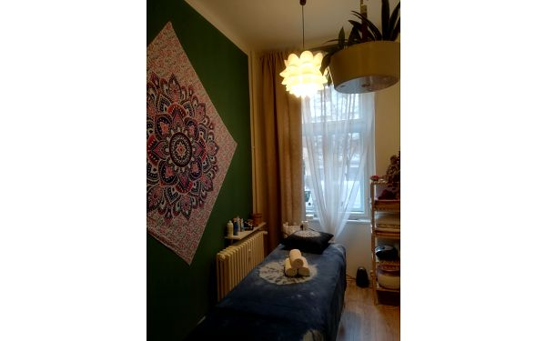 Klasická relaxační masáž zad a šíje (30 minut)2