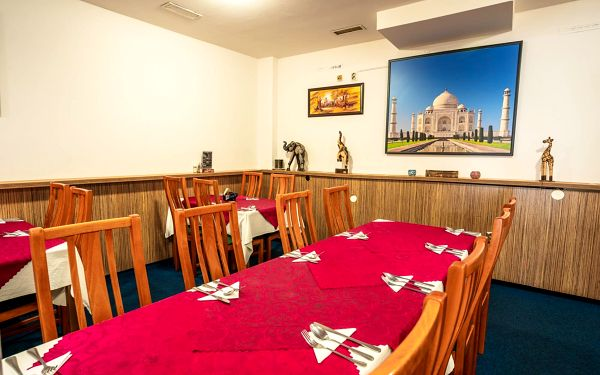 Indické menu a lassi pro 2 osoby5