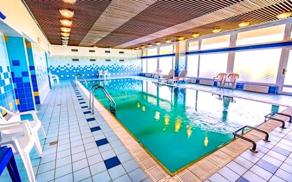 Luhačovice v Hotelu Harmonie *** s polopenzí, lázeňskými procedurami a bazénem
