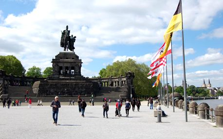 Německo letecky na 4 dny, strava dle programu