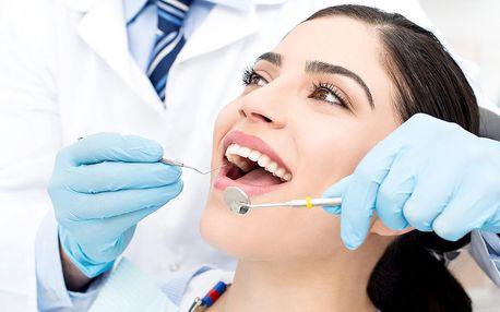 Důkladná dentální hygiena s fluoridací zubů